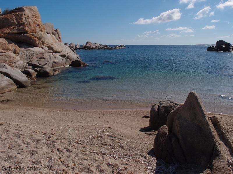 Iles Lavezzi, petite plage déserte